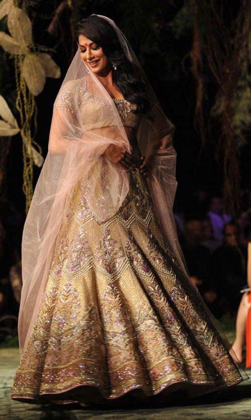 Latest Indian Designers Barat Dresses for Wedding Brides 2016-2017 (7)