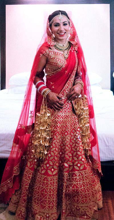 Latest Indian Designers Barat Dresses for Wedding Brides 2016-2017 (8)