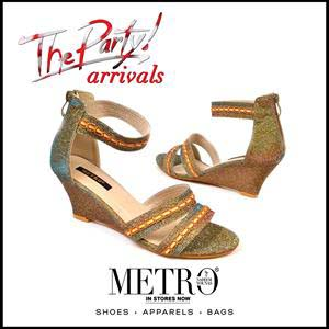 Metro Shoes Stylish Summer Footwear, Clutches and Bags Collection 2016-2017 (12)