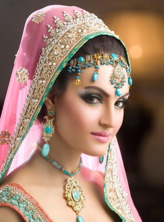 Pakistani Best Bridal Makeup Tutorial- Step by Step (16)