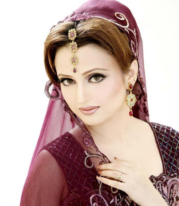 Pakistani Best Bridal Makeup Tutorial- Step by Step (18)