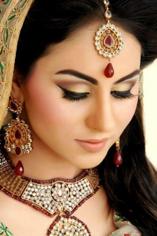 Pakistani Best Bridal Makeup Tutorial- Step by Step (30)