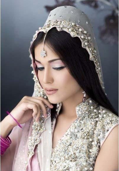Pakistani Best Bridal Makeup Tutorial- Step by Step (6)