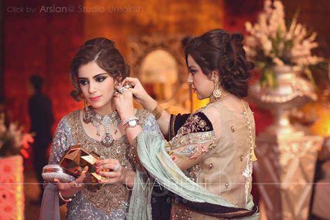 Stylish Walima Dresses For Wedding Pakistani Brides 2016-2017 (30)
