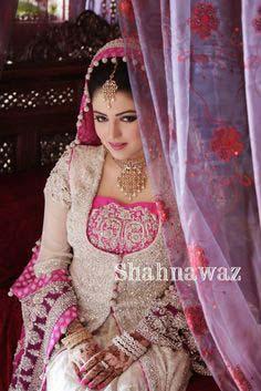 Stylish Walima Dresses For Wedding Pakistani Brides 2016-2017 (8)