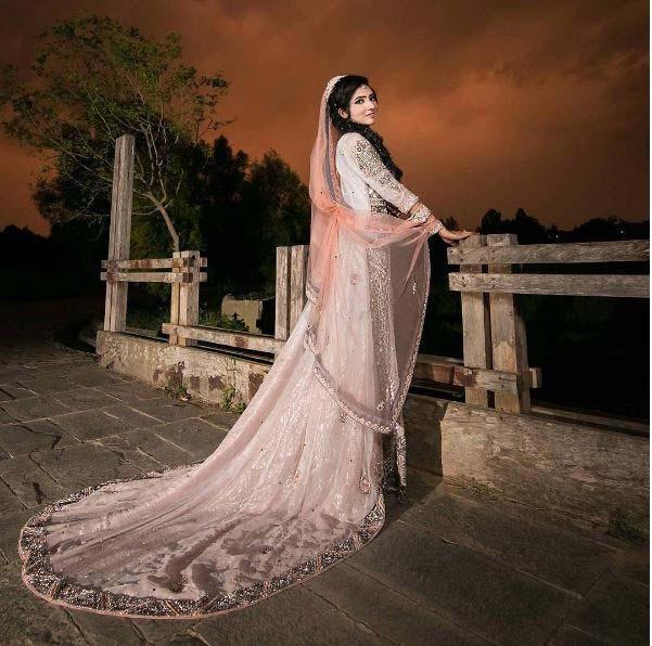 Beautiful Bridal Barat Dresses Designs Collection 2016-2017 for Wedding Brides (27)