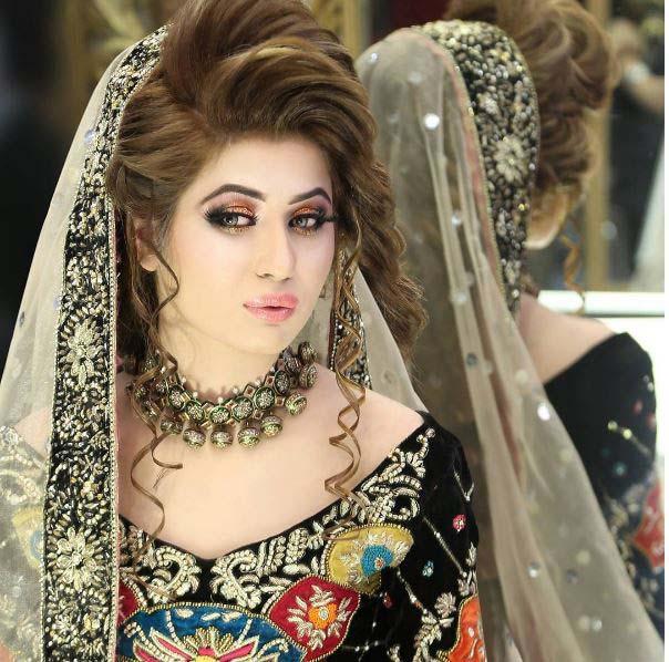Beautiful Bridal Barat Dresses Designs Collection 2016-2017 for Wedding Brides (31)