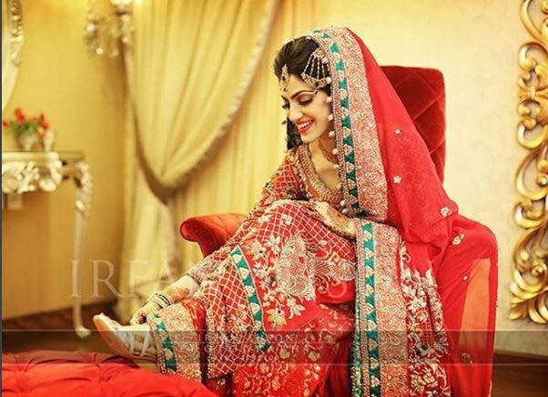 Beautiful Bridal Barat Dresses Designs Collection 2016-2017 for Wedding Brides (32)