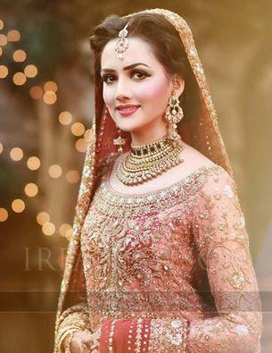latest-pakistani-wedding-wear-lehenga-and-gown-style-201617-1
