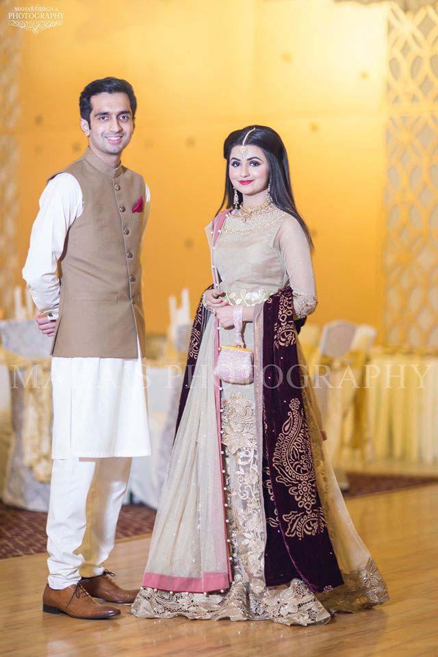 latest-pakistani-wedding-wear-lehenga-and-gown-style-201617-2