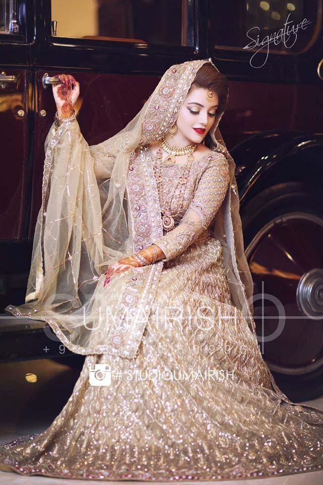 latest-pakistani-wedding-wear-lehenga-and-gown-style-201617-5
