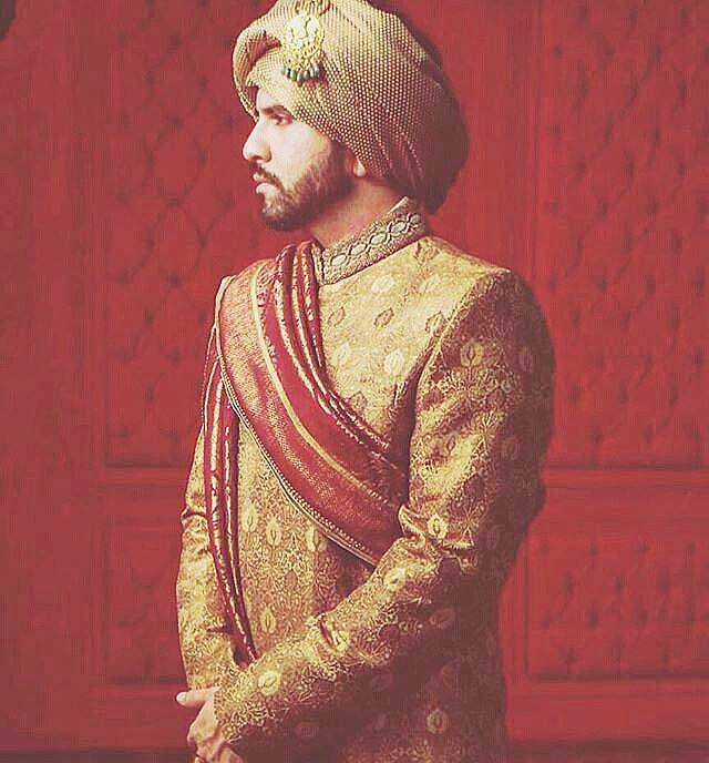 mohsin-naveed-ranjha-wedding-sherwani-and-suits-2016-4