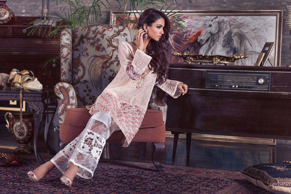 pakistani-designers-latest-kurtas-collection-for-women-2017-2018-7