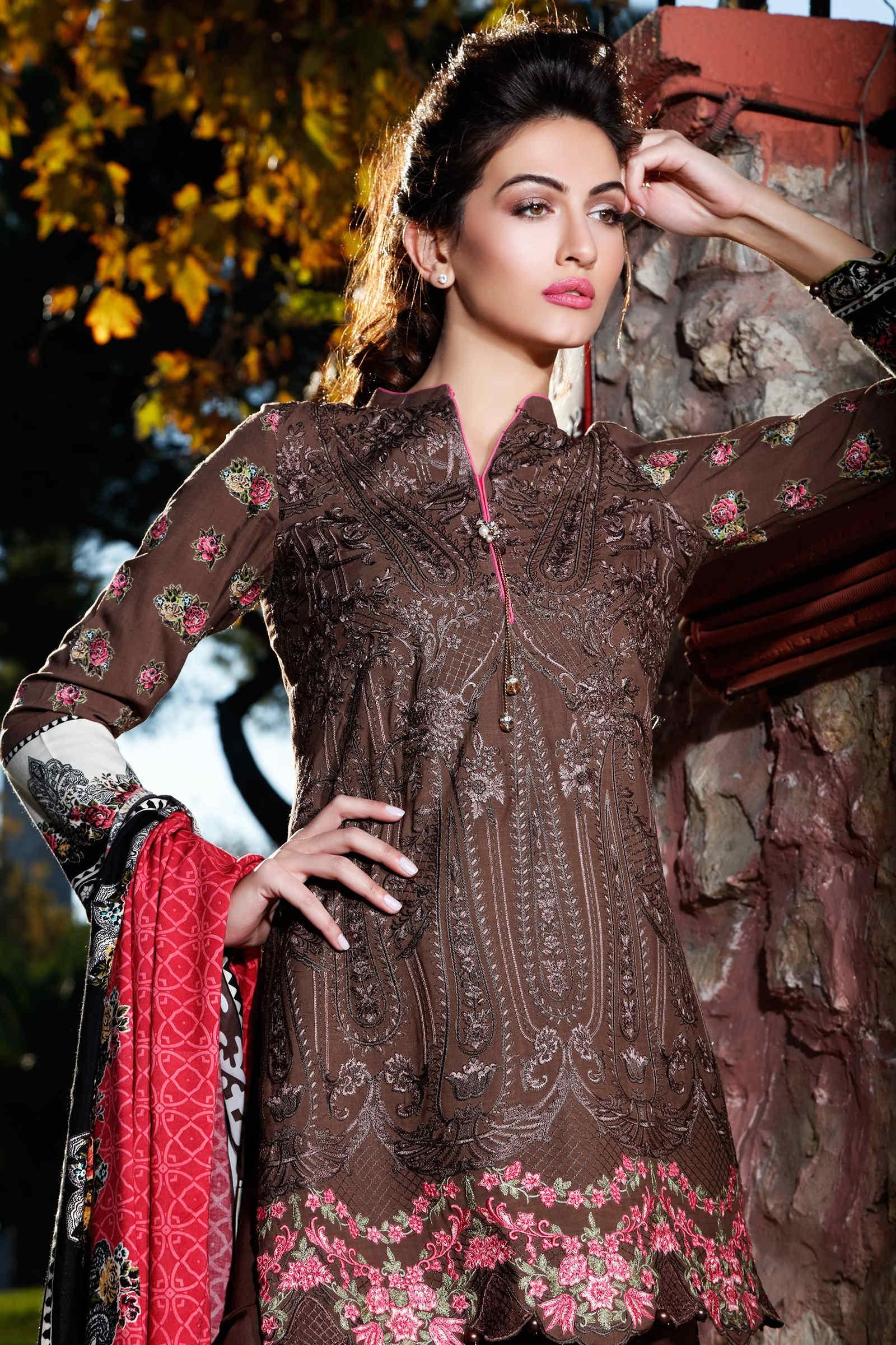 Stylish Pakistani Designers Dresses With Bell Bottom Pants ...