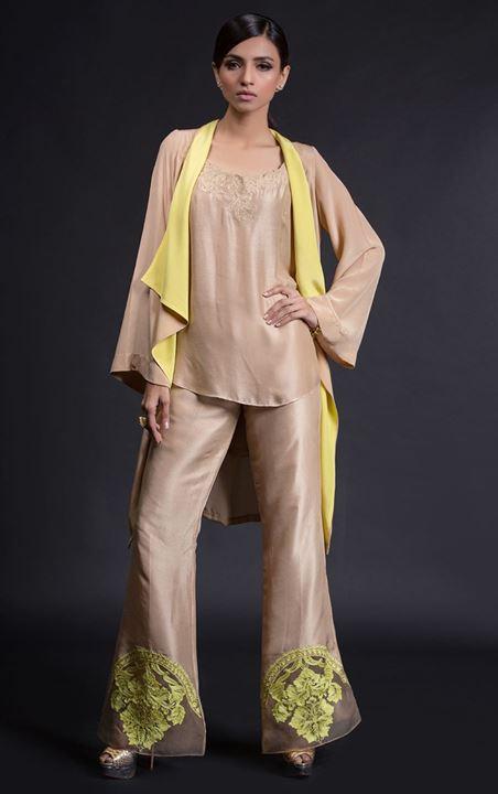 stylish-pakistani-designers-dresses-with-bell-bottom-pantstrousers-2017-3
