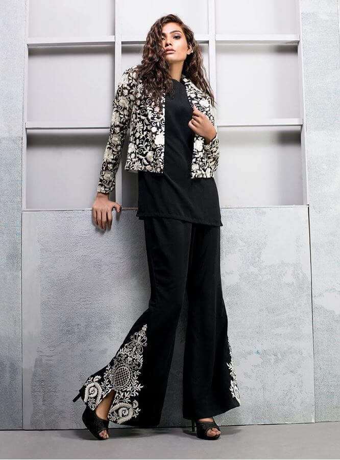 stylish-pakistani-designers-dresses-with-bell-bottom-pantstrousers-2017-6