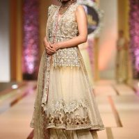 Asifa & Nabeel-QMOBILE HUM TV BRIDAL COUTURE WEEK (QHBCW) 2017 DAY 3 (3)