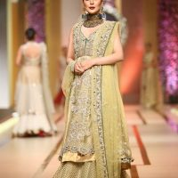 Asifa & Nabeel-QMOBILE HUM TV BRIDAL COUTURE WEEK (QHBCW) 2017 DAY 3 (6)