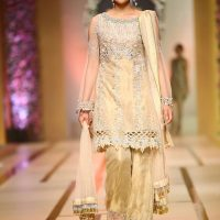 Asifa & Nabeel-QMOBILE HUM TV BRIDAL COUTURE WEEK (QHBCW) 2017 DAY 3 (9)