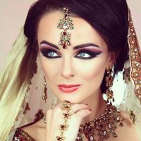 Latest Best Arabic Bridal Makeup Tips & Ideas With Complete Guideline (28)